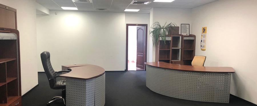 Аренда офиса в пристройке к основному зданию бизнес центра площадью 330 кв.м.