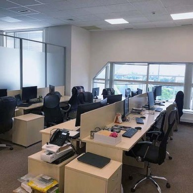 Rent office in the business center with an area of 345 sq m