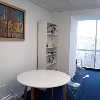 Аренда офиса в бизнес центре на 12 этаже площадью 30 кв м